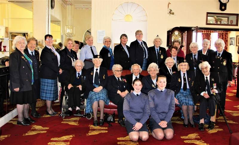 Air Cadet Girls Meet Ex Raf Airwomen For Special Sussex Event